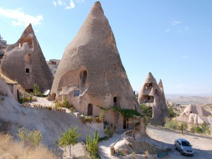 Casas en las rocas (Capadocia, Turquía)