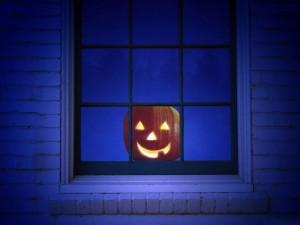 Calabaza para Halloween en una ventana