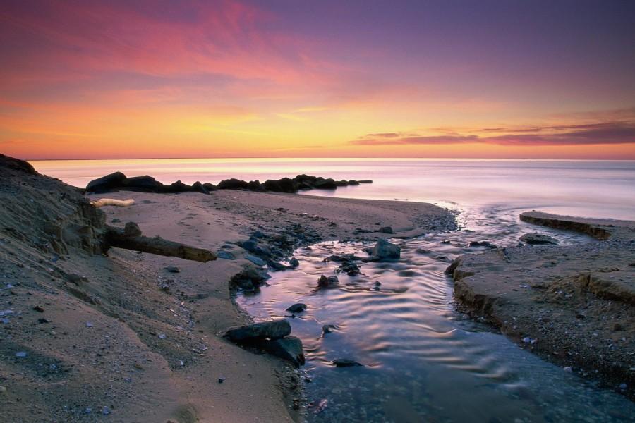 Bonito amanecer sobre el mar