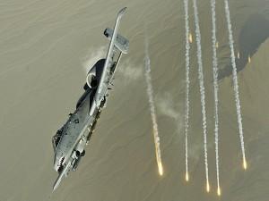 Avión de combate A10 en acción