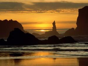 Amanecer en una hermosa playa