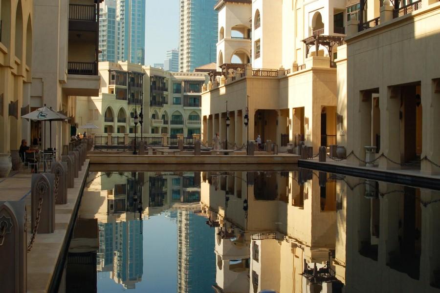Hotel con piscina en Dubai