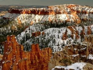 Nieve en el Parque Nacional del Cañón Bryce (Utah)