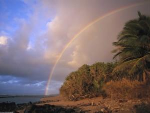 Arcoíris junto al mar