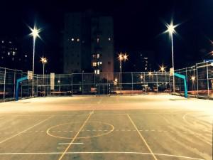 Cancha de baloncesto al aire libre