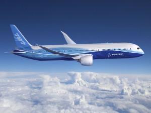 Avión de pasajeros Boeing 787 volado sobre las nubes