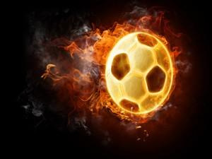 Balón de fútbol envuelto en llamas