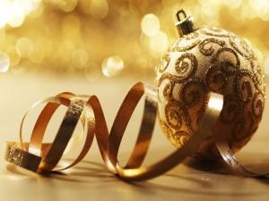 Bola de Navidad dorada