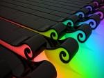 Colores bajo unas placas negras