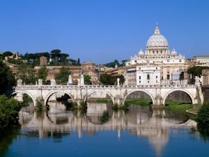Puente Sant'Angelo sobre el río Tiber (Roma)