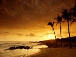 Amanece en una playa de Kauai (Hawái)