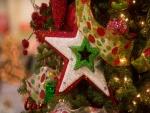 Estrella en un árbol de Navidad
