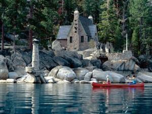 Canoa en el lago Tahoe