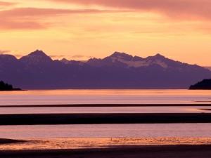 Hermosa vista de Chilkat Range (Alaska)