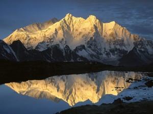 Makalu y Monte Chomo Lonzo (Tibet)