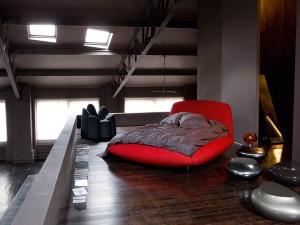 Gran cama roja