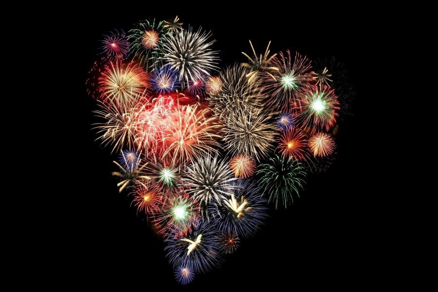 Fuegos artificiales con forma de corazón
