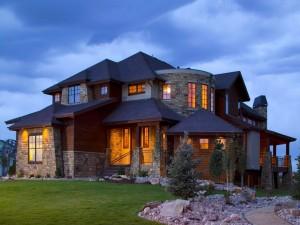Espléndida mansión iluminada