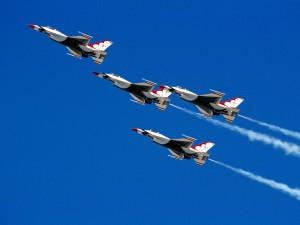 Thunderbirds en formación