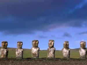 Estatuas de Ahu Akivi (Isla de Pascua)