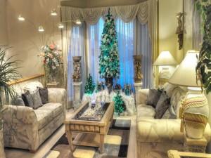 Sala de estar adornada para la celebración de las fiestas navideñas