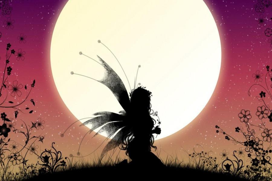 Hada junto a la luna llena