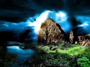 Luz en el cielo iluminando la roca