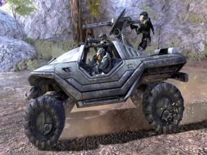 Soldados en un vehículo militar