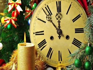 Vela encendida esperando el nuevo año