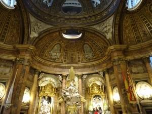 Interior de la basílica del Pilar (Zaragoza)
