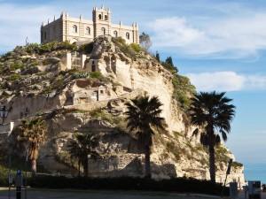 Monasterio de Santa María dell'Isola (Tropea, Italia)
