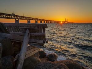 Gran puente sobre el mar