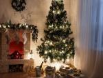 Acogedora sala de estar preparada para las fiestas navideñas