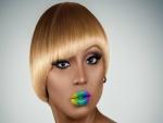 Una mujer con un maquillaje inusual