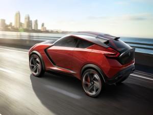 Nissan Gripz Concept rojo en la carretera