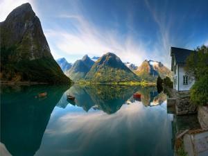 Casa a orillas de un impresionante lago