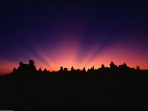 Rayos de sol al amanecer