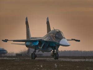 Su-34 en pista