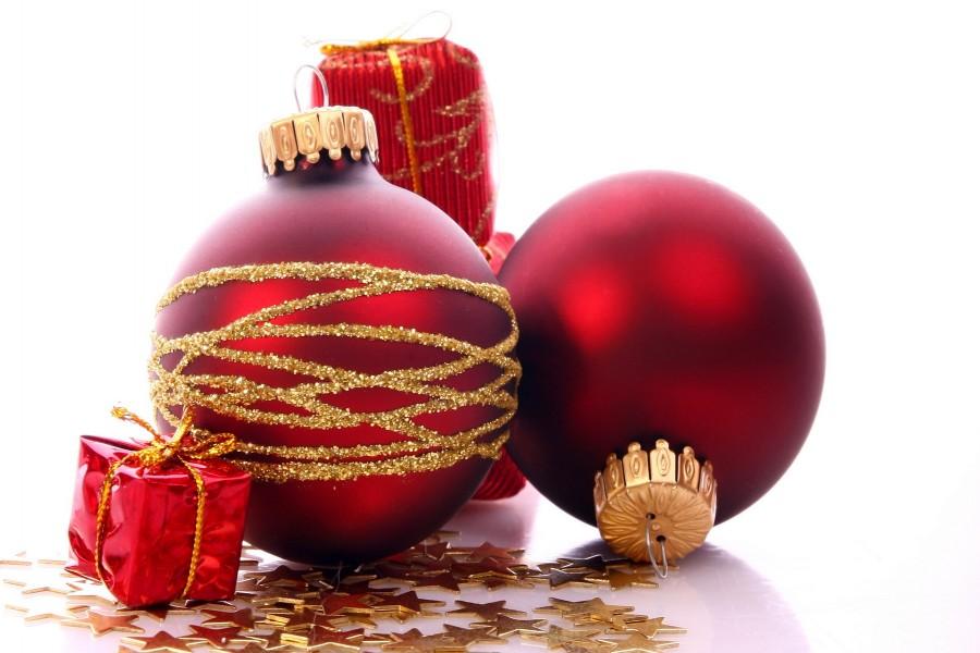 Bolas rojas estrellas y regalitos para navidad 73575 - Bolas de navidad rojas ...