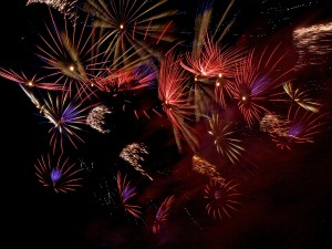 Brillantes fuegos artificiales
