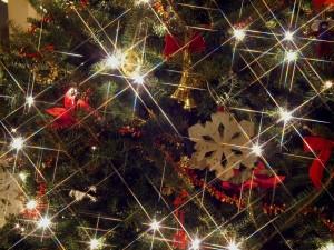 Destellos en el árbol de Navidad