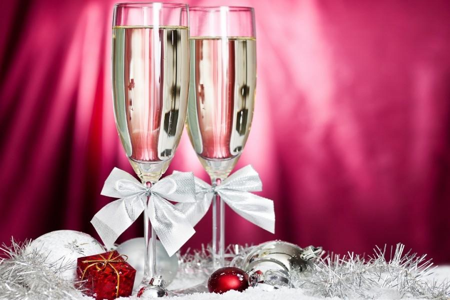 Copas de champ n para brindar en las pr ximas fiestas for Imagenes de copas brindando