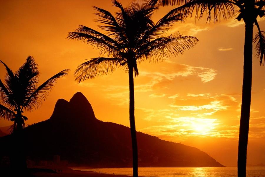 Amanece en una playa de Río de Janeiro