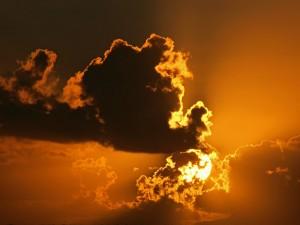 Sol tras las nubes