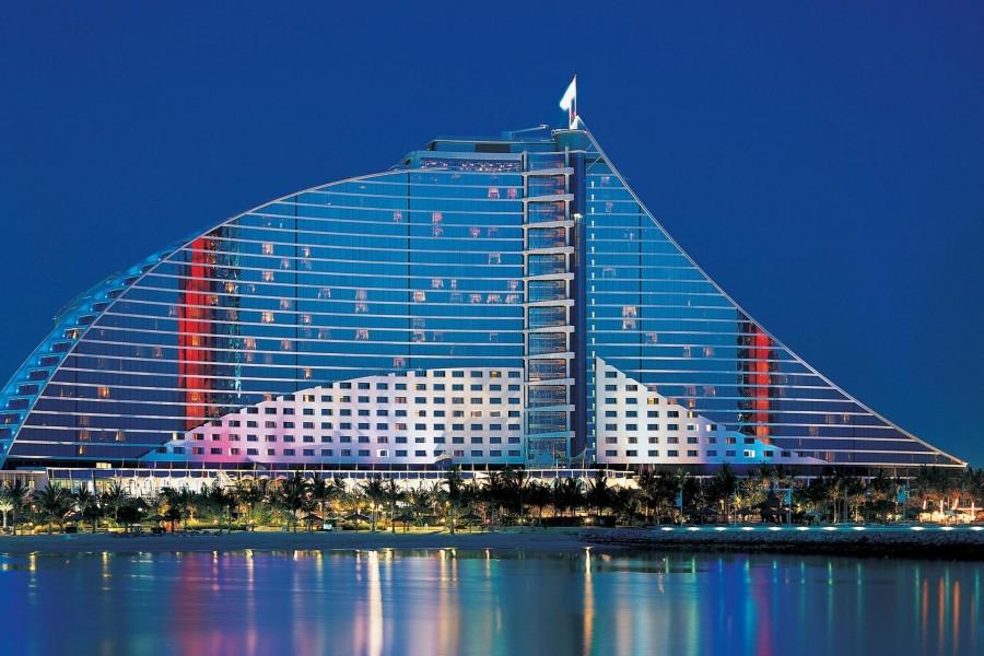 El extraordinario Jumeirah Beach Hotel (Dubái, Emiratos Árabes Unidos)
