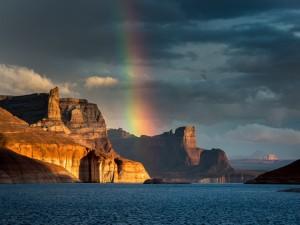 Arcoíris sobre los acantilados