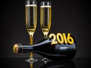 2016 en una botella de Champán
