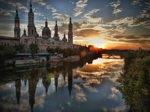 Zaragoza vista al amanecer (España)