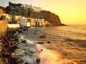 Sol iluminando la costa