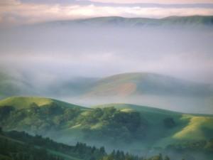 Niebla sobre las montañas